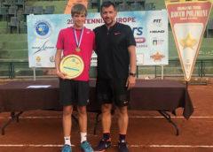 16-годишният ПЬОТР НЕСТЕРОВ от ЧЕРНО МОРЕ ЕЛИТ дебютира при мъжете професионалисти с финал на турнира ….