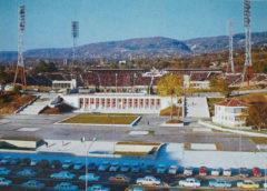ГРОБАРИТЕ пак ЛЪЖАТ. Стадион Варна щял да бъде готов през 2022 година. Коя 22 г измамници, 2122 ли? Забавянето било заради пандемията. Мошеници. Щели да търсят пари като продават акции, нямало да продават прилежащи терени. Далаверажии.