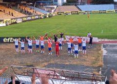 Спартак Варна тръгна към А група с 3:1 в Бургас! Феновете на варненци се сбиха още в първия кръг!